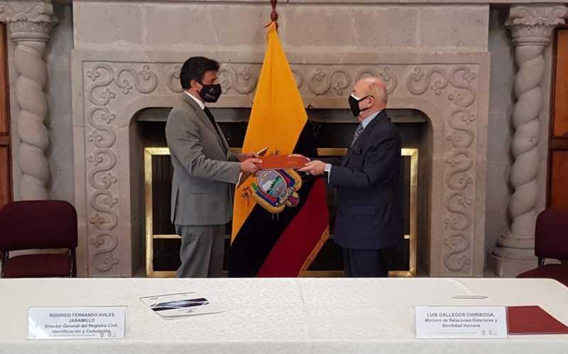 Las instituciones firmaron el convenio para atender a los migrantes