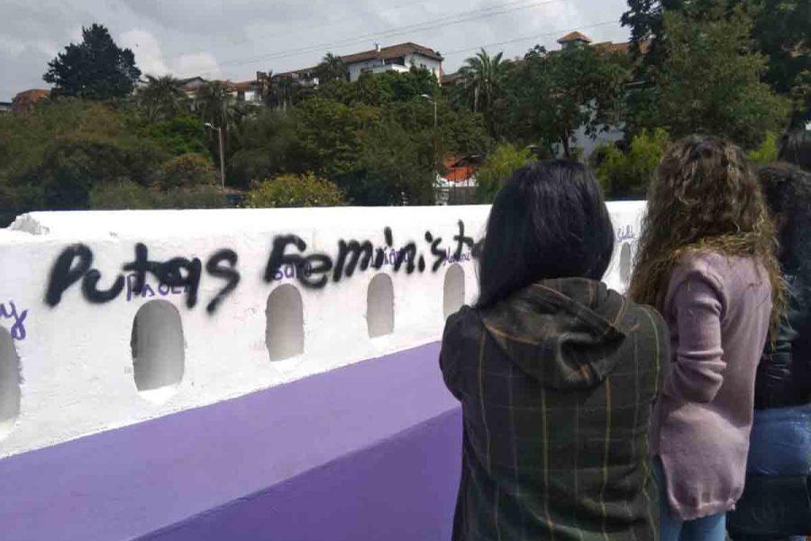 Puente Vivas nos Queremos fue objeto de hechos violentos contra grupos feministas.